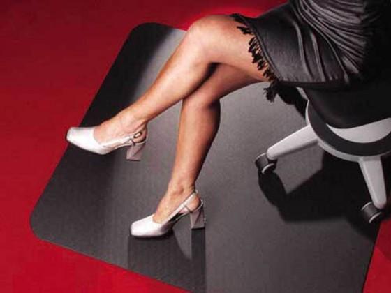 Bodenschutzmatte schwarz, edle Schutzmatte für Teppichböden